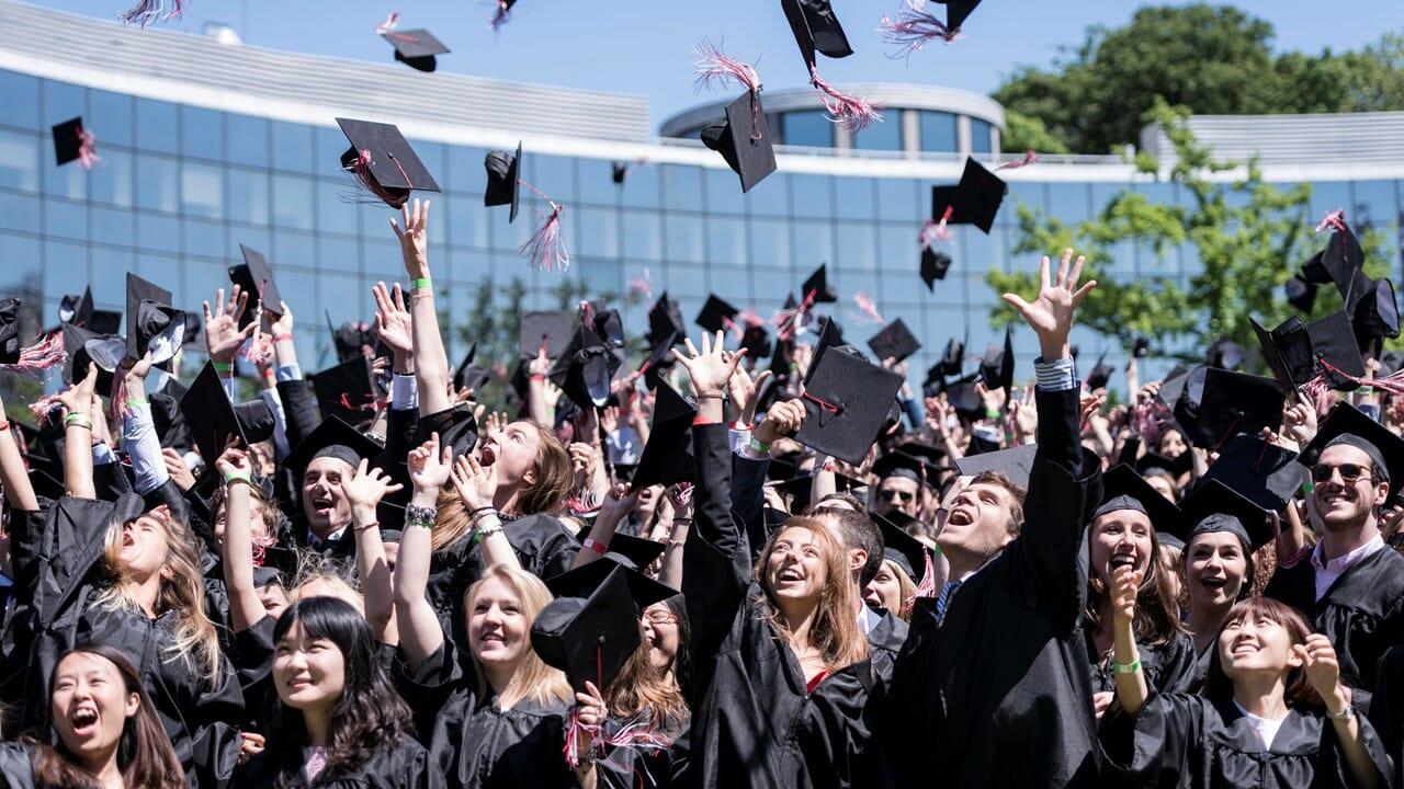 Découvre tous les nouveaux MS et MSc d'écoles de commerce et d'ingénieurs accrédités par la Conférence des Grandes Écoles.