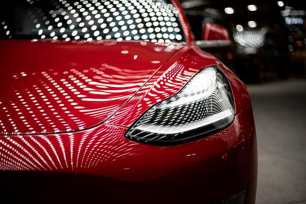 Coronavirus réduire coûts Tesla